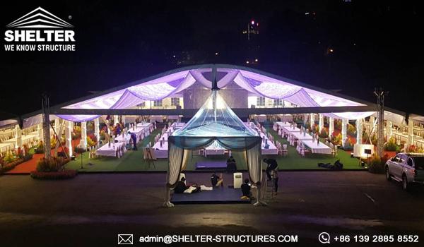Carpas de lujo para boda real de 800 a 1000 personas for Carpas para el jardin